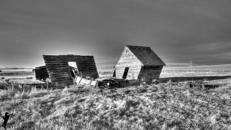 Abandoned Farm buildings, black and white, Hussar, Alberta, Dusty Rivers Phtography, dustyriversphotography.com