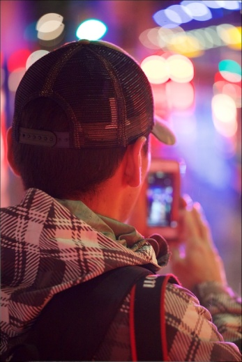 Rob Moses Periscoping, Downtown Calgary, Bokeh, YYC, Dusty Rivers Photography, dustriversphotography.com