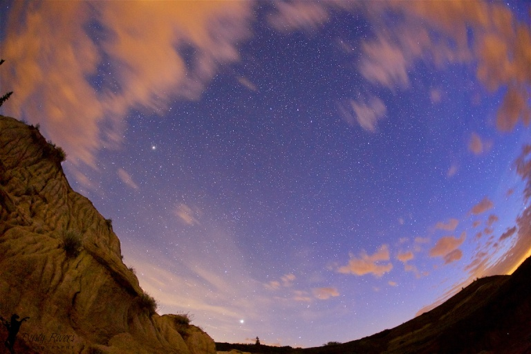 Horseshoe Canyon 2, Drumheller, badlands, night shot, stars, clouds, YYC, Dusty Rivers Photography, dustyriversphotography,com