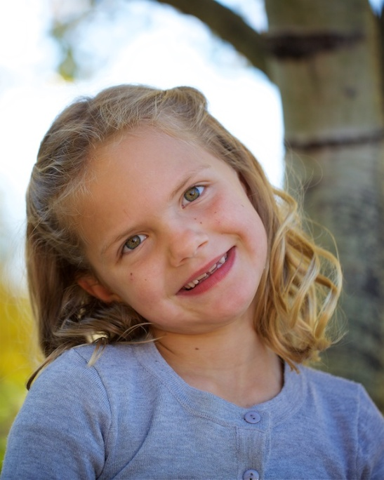 Fish Creek Park, family photos, little girl, Calgary, YYC, Dusty Rivers Photography, dustyriversphotography.com