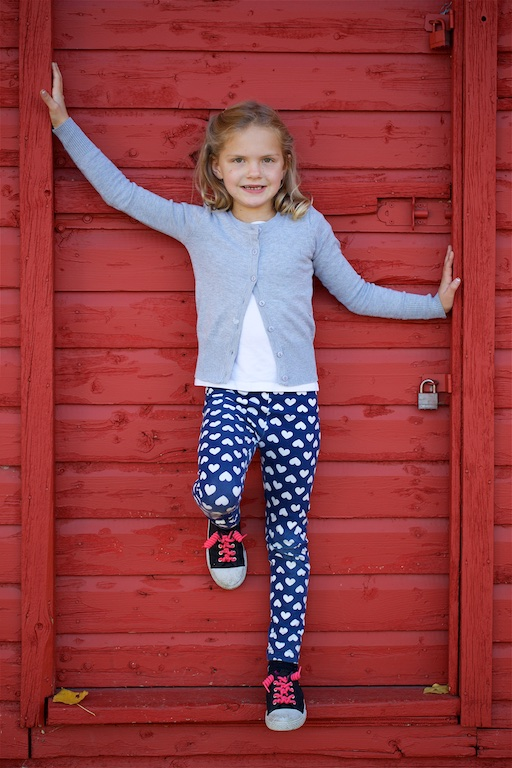 Fish Creek Park, family photos, red barn, little girl, Calgary, YYC, Dusty Rivers Photography, dustyriversphotography.com