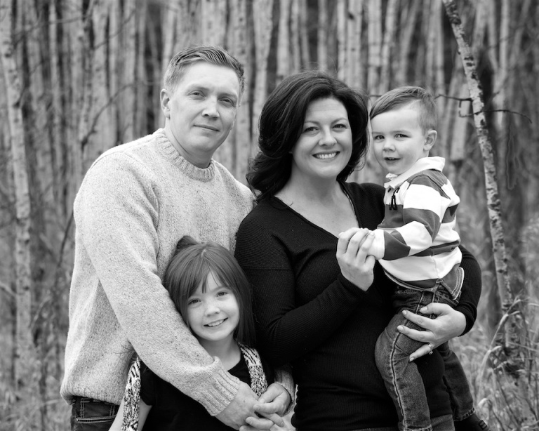 Family Photos, Father, Mother, Daughter, Son, Black and White, Fish Creek Park, Calgary, AB, YYC, Dusty Rivers Photography, dustyriversphotography.com